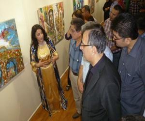 مصر اليوم - آشنا أحمد تفتتح معرضها التشكيلي في آربيل