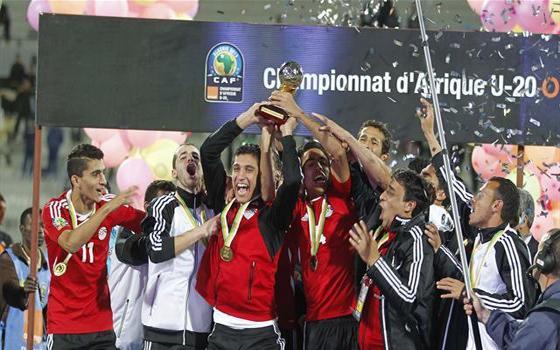مصر اليوم - منتخب الفراعنة يواجه تشيلي وإنكلترا والعراق في مونديال الشباب 2013