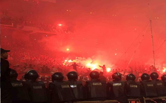 مصر اليوم - الشغب يُهدد الدوري المصري ويقضي على عودة الجمهور للمدرجات