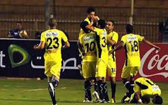 مصر اليوم - ذئاب الجبل يكتسحون  فريق الداخلية 3/1 ويصعدون للمركز الثامن