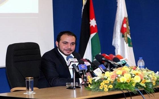 مصر اليوم - الأمير علي بن الحسين يرعى مباراة استعراضية تجمع نجوم الأردن والعراق