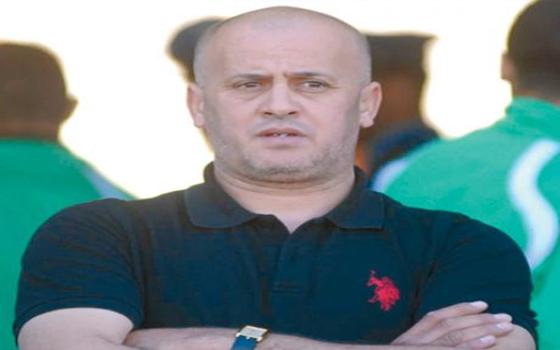 مصر اليوم - إيقاف مُسَيِّر مولودية الجزائر عمر غريب مدى الحياة