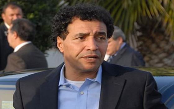 مصر اليوم - سيلتيك كلاسكو وبوكاجونيور في تكريم أسطورة الكرة المغربية