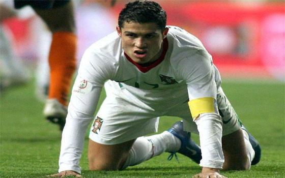 مصر اليوم - البرتغالي كريستيانو رونالدو ينفي تجديده لريال مدريد الإسباني