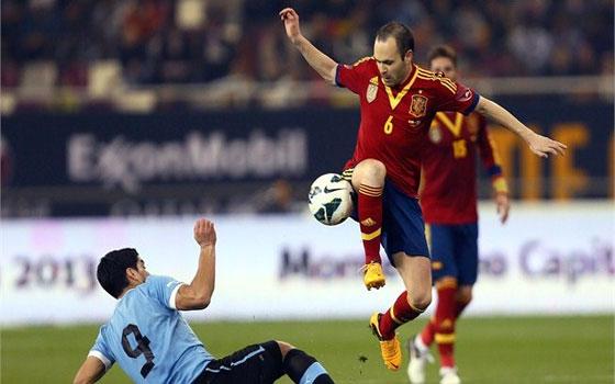 مصر اليوم - إسبانيا تواجه أوروغواي تحت شعار كلمة السر في حسم المنافسة