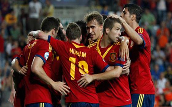 مصر اليوم - هاتريك ألكانترا يهدي إسبانيا لقب بطولة أوروبا للشباب على حساب إيطاليا