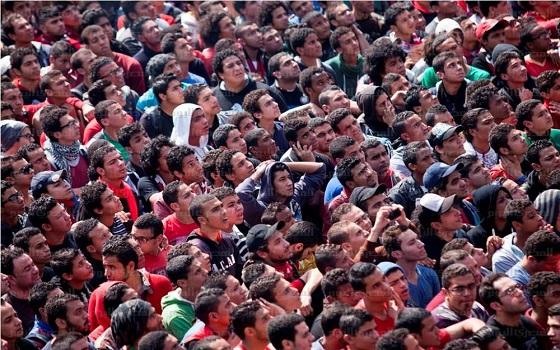 مصر اليوم - الأهلي يلتقي الجونة والتليفونات يستضيف الغزل في عودة محفوفة بالخطر للدوري