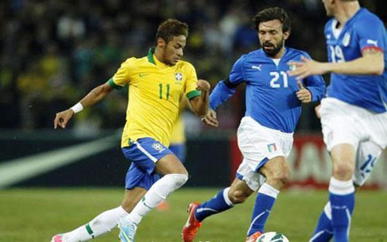 مصر اليوم - نجوم السامبا يواجهون الآزوري الإيطالي على صراع الصدارة في كأس القارات