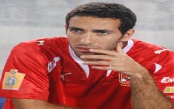 مصر اليوم - محمد أبوتريكة يعيش حالة سيئة ويرفض التدريب