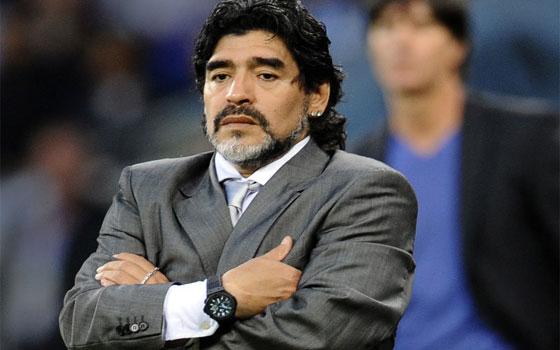 مصر اليوم - مارادونا يرفض أن يكون مستشارًا فنيًا للرجاء المغربي