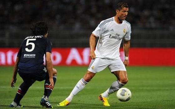 مصر اليوم - ريال مدريد الأسباني يحسم موقعة سان جيرمان بتوقيع كريم بنزيمة
