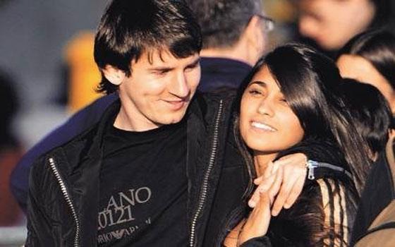 مصر اليوم - زواج ميسي بصديقته أنتونيلا روكوزو أصبح مهددًا في ظل صمت اللاعب