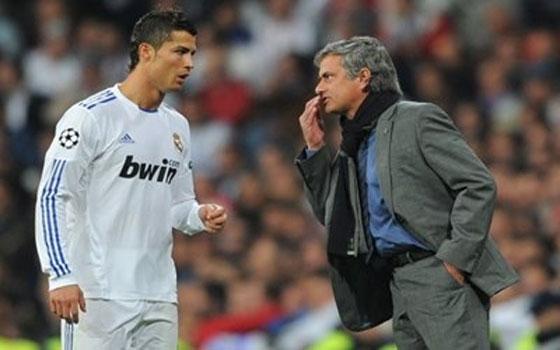 مصر اليوم - مورينيو يعترف درّبت رونالدو البرازيلي الحقيقي في برشلونة الأسباني