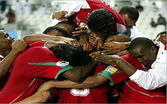 مصر اليوم - عمان تحقق فوزها الثاني على التوالي على سنغافورة بهدفين في عقر دارها