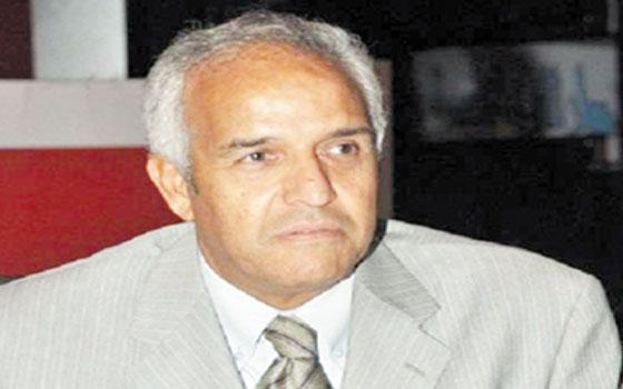 مصر اليوم - رؤوف جاسر يحمل ممدوح عباس نتيجة خسارة الزمالك الأفريقية