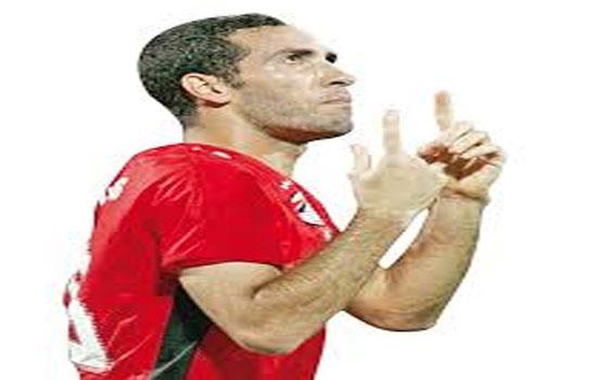 مصر اليوم - لاعبو مصر في الداخل والخارج ينتفضون للدفاع عن النجم محمد أبوتريكة