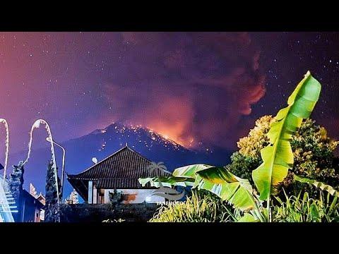 شاهد إلغاء رحلات طيران إثر انفجار بركان بالي