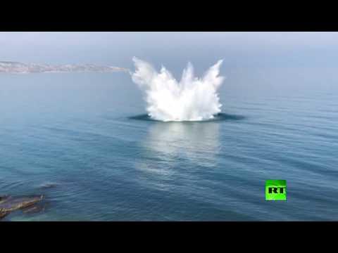 شاهد لحظة تفجير 4 قنابل في البحر الأسود قبالة القرم